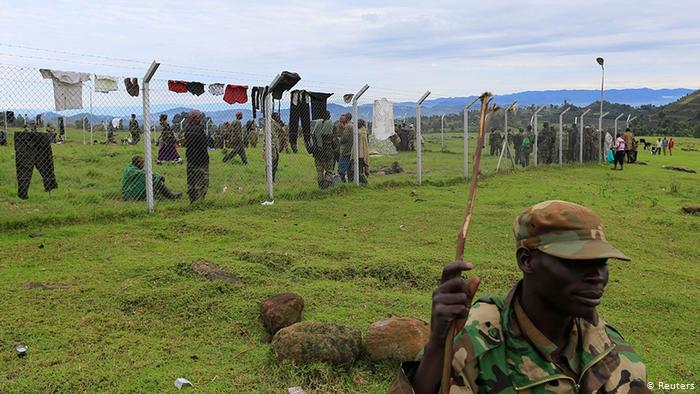 Au Rwanda, la délicate réintégration des anciens combattants de l'est de la RDC L'armée congolaise a multiplié fin 2019 les offensives contre les groupes armés rwandais opérant dans le Sud-Kivu.