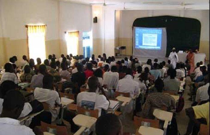 Université virtuelle du Sénégal : Mythe, statistiques et réalité