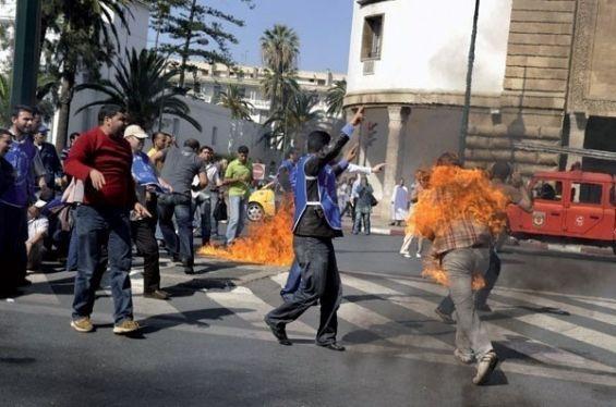 En Tunisie, les immolations par le feu, arme du désespoir Neuf ans après la mort de Mohamed Bouazizi, point de départ de la révolution, la pratique continue de faire des victimes parmi les plus précaires.