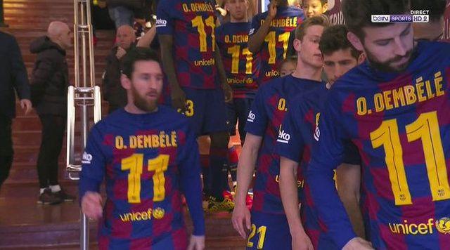 PHOTO : les Barcelonais avec un maillot Dembélé