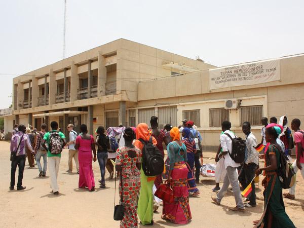 Vétusté, manque d'hygiène… Quand des lycéens de Dakar se privent des toilettes toute la journée