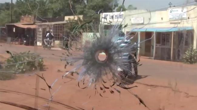 Au Burkina Faso, des civils armés pour lutter contre le terrorisme