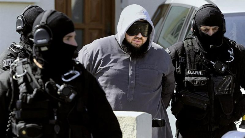 France : Opérations en cours contre «des dizaines d'individus» de la mouvance islamiste