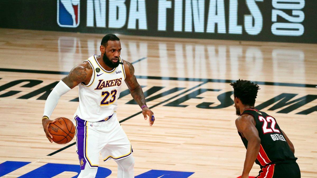 """LeBron James «est le plus grand joueur que l'univers ait jamais vu"""""""