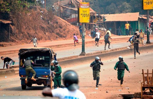 Violence post électorale en Guinée : Un policier et des manifestants tués lors des affrontements.