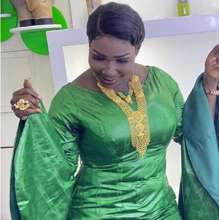 (05 Photos ) Admirez les 03 différentes Sagnsés de Ndiole Tall »Diamant Noir » toute ravissante