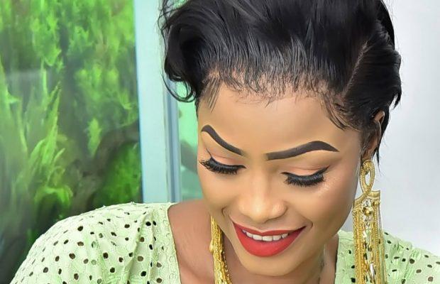 "(07 Photos) fraîchement fiancée: Mbathio Ndiaye ""charme"" son Aladji Ass"