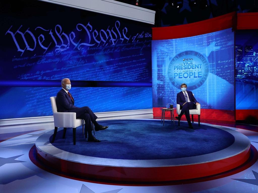 Biden critique Trump pour la réponse « paniquée » de Covid