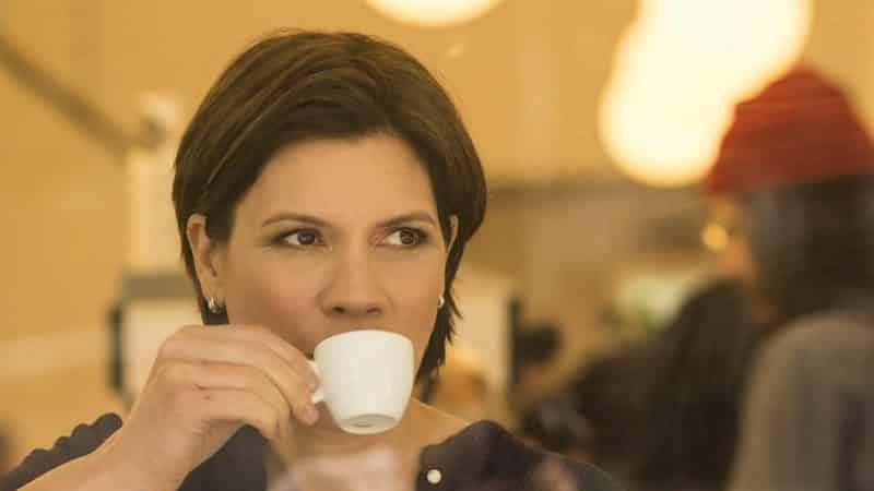 Elle drogue le café de sa collègue pour qu'elle se fasse virer à sa place