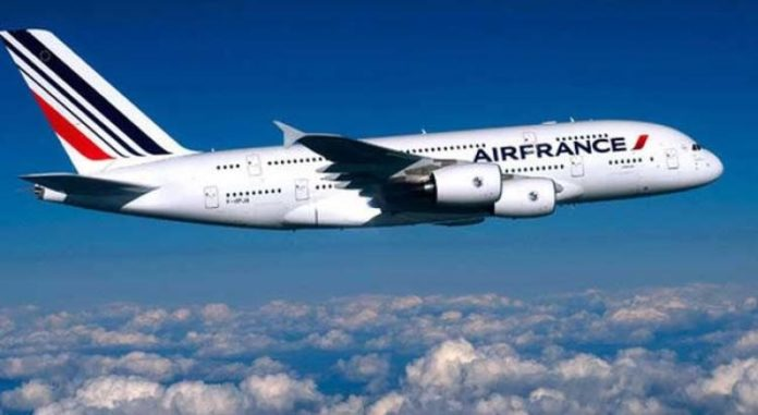 Ligne Paris-Dakar : Air France, en chute libre, supprime 17 postes