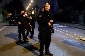 Professeur décapité près de Paris : 9 personnes placées en garde à vue