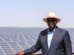 Eclairage public : Macky Sall annonce 100.000 nouveaux lampadaires solaires