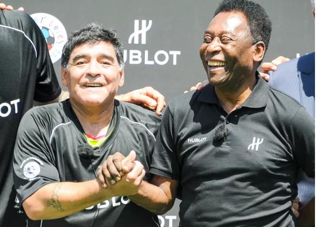 """Pelé: """"J'espère qu'un jour nous rejouerons au ciel"""""""