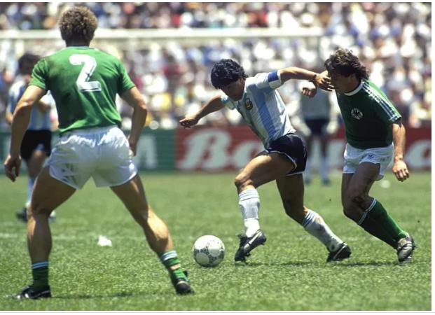 Beckenbauer: «Diego Maradona était un génie qui avait perdu le contrôle de sa vie»