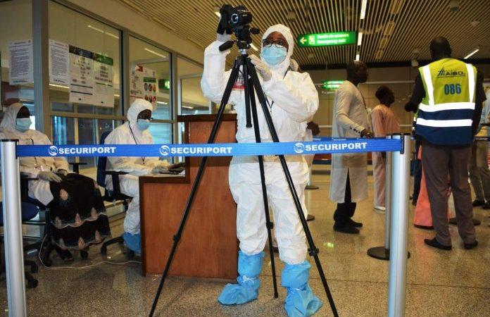 AIBD: Des Voyageurs Détenteurs De Faux Tests Covid-19 Arrêtés