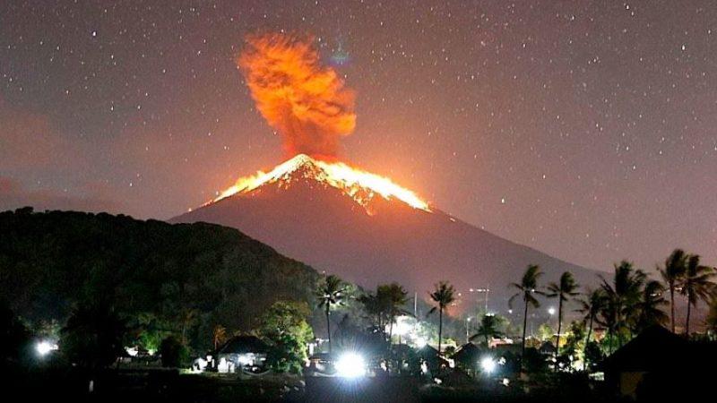 Eruption volcanique : Plus de 4 mille Indonésiens évacués !