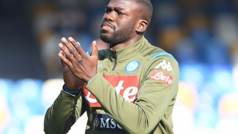 Avec ses défenseurs blessés, Liverpool veut Koulibaly en janvier