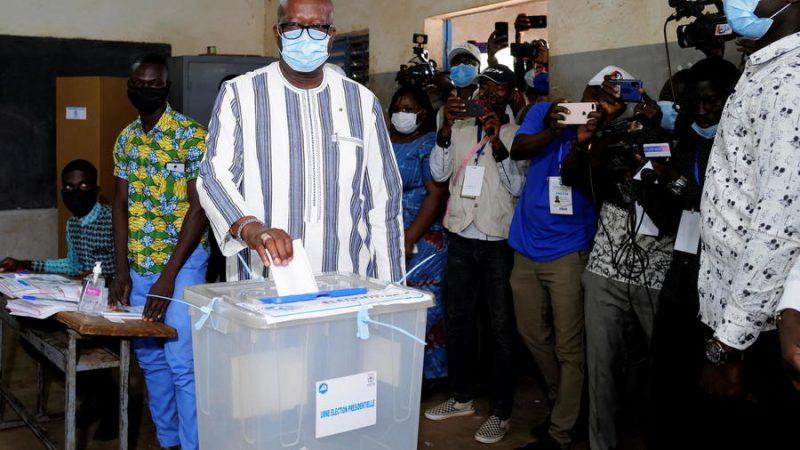 Double scrutin/Burkina : Kaboré gagne la Présidentielle et perd les Législatives