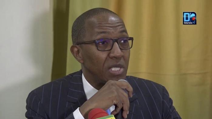 Abdoul Mbaye prédit un futur incertain : « L'inquiétude est grande. La solution ne viendra pas des illusions trouvées pour distraire le peuple ou en partageant les responsabilités de l'échec avec de nouveaux complices ».