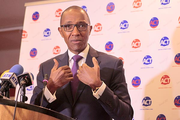 """Message de fin d'année : """"2021 sera une année plus difficile"""", prédit Abdoul Mbaye (Vidéo)"""