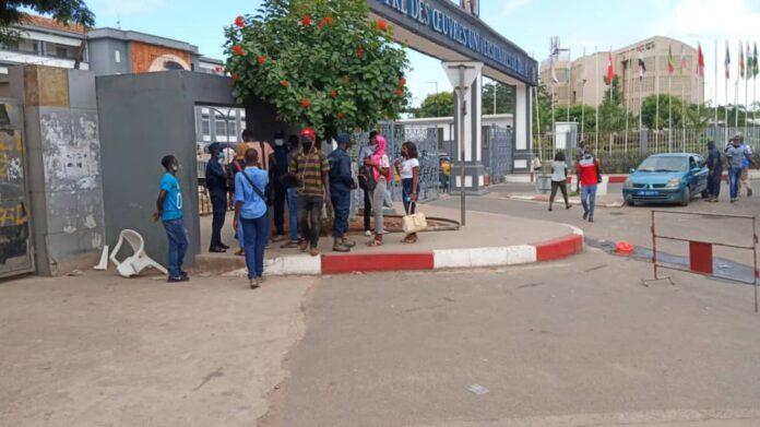 Levée de l'immunité de Sonko : Des étudiants de l'UCAD arrêtés avec des armes et de l'essence (Photos)